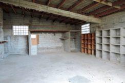 Dépendance à réhabiliter en habitation  LA HAYE-FOUASSIERE, proche gare,