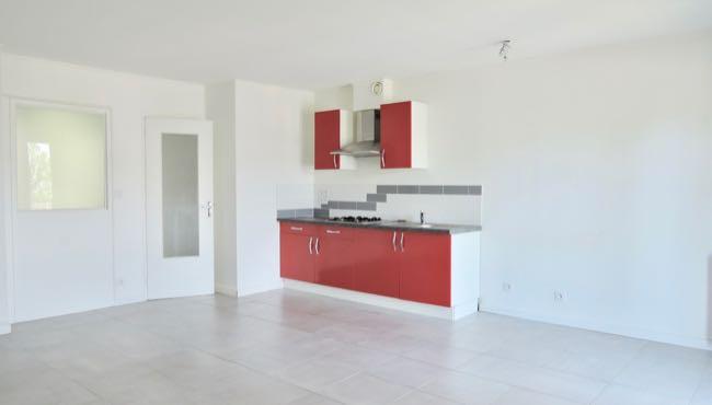 Séjour et cuisine Appartement T3 Carquefou centre